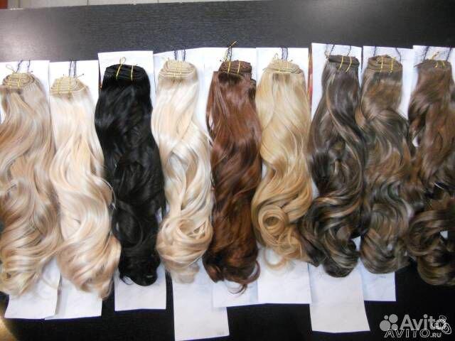 Волосы на трессе волнистые