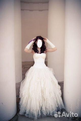 После свадьбы отдавали в имчистку почистить подол, остальное не затрагивал