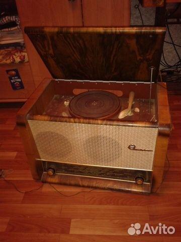 "Ламповая ретро радиола  ""Вэф-Аккорд "" 1960 года."