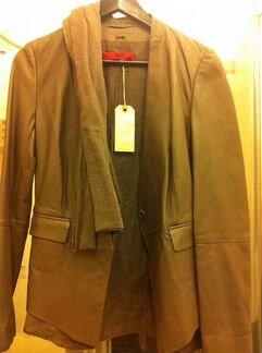 Куртка кожаная новая Boss
