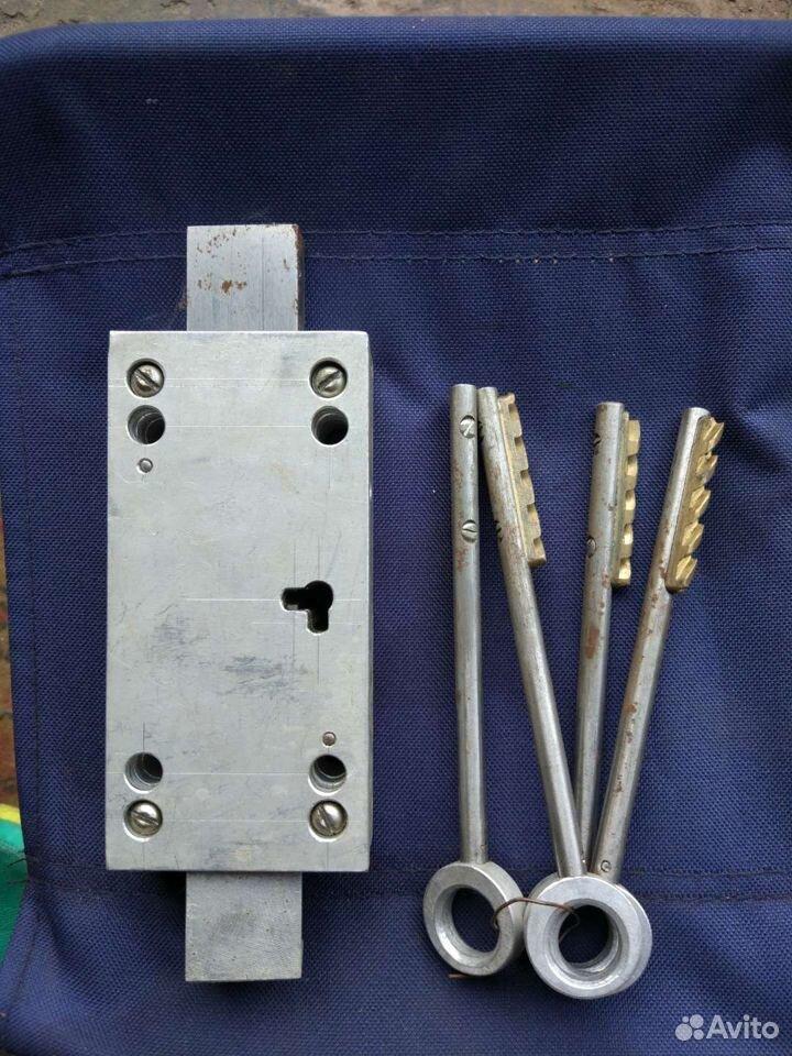 Замок с ключами для гаража  89537428734 купить 2